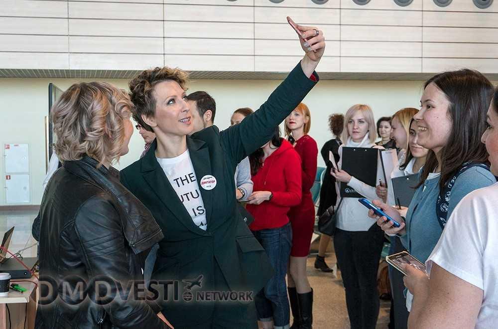 Яна Чурикова стала «тотальным диктаНтором» в аэропорту Домодедово