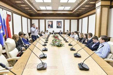 Ученики Гальчинской школы из Домодедово побывали в Мособлдуме