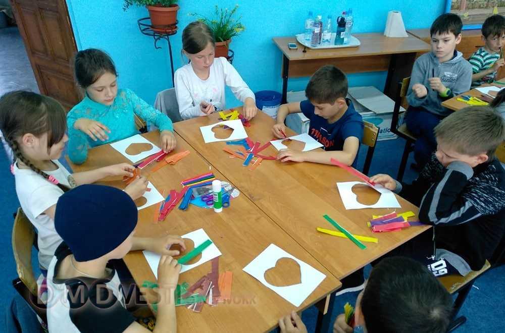 В школах Домодедово работают летние лагеря