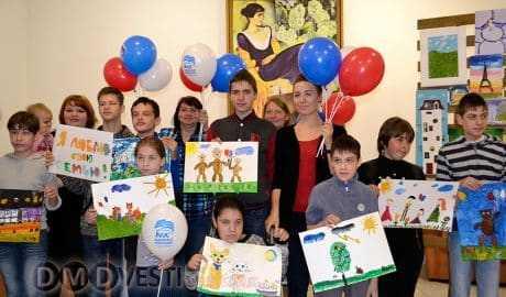 В Домодедово провели творческий праздник Рисуем про семью