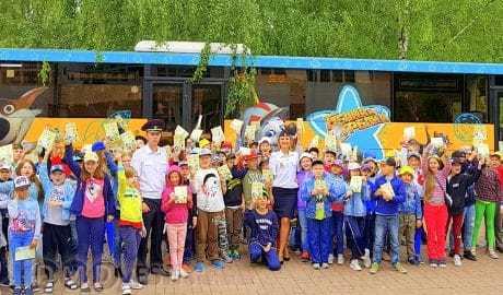 180 детей отдыхающих в лагерях Домодедово стали пассажирамиавтобуса Белка и Стрелка