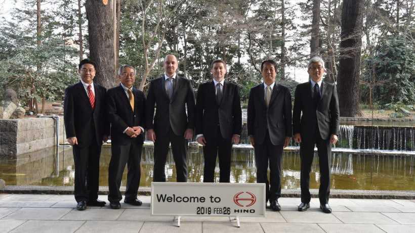 Хромов на роуд-шоу в Японии объявил о строительстве завода Hino в Химках