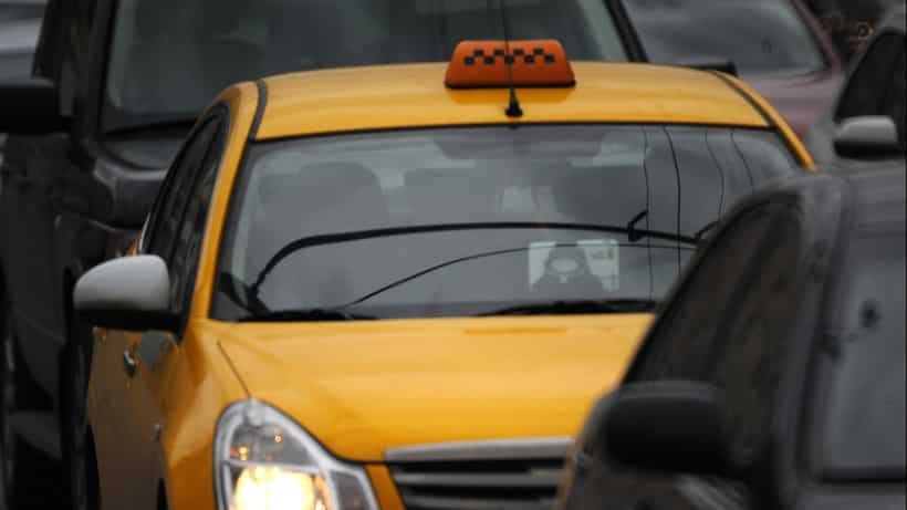 Контроль за работой в такси водителей-иностранцев усилят в Подмосковье в 2019 году