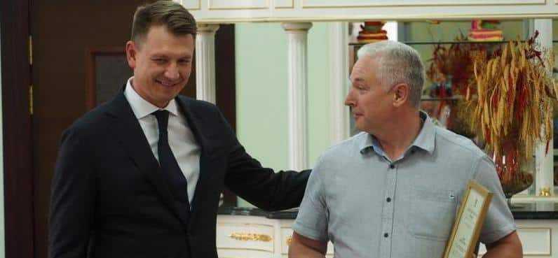 Александр Двойных навестил трудовой коллектив ГК «Лакония» и осмотрел объекты складской и рекреационной инфраструктуры компании