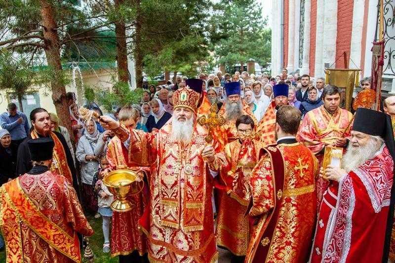 Архиерейское богослужение в день 200-летия со дня основания Флоро-Лаврского храма в г.о. Домодедово
